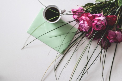 https://www.pexels.com/photo/bouquet-of-pink-flowers-beside-white-ceramic-mug-1410225/